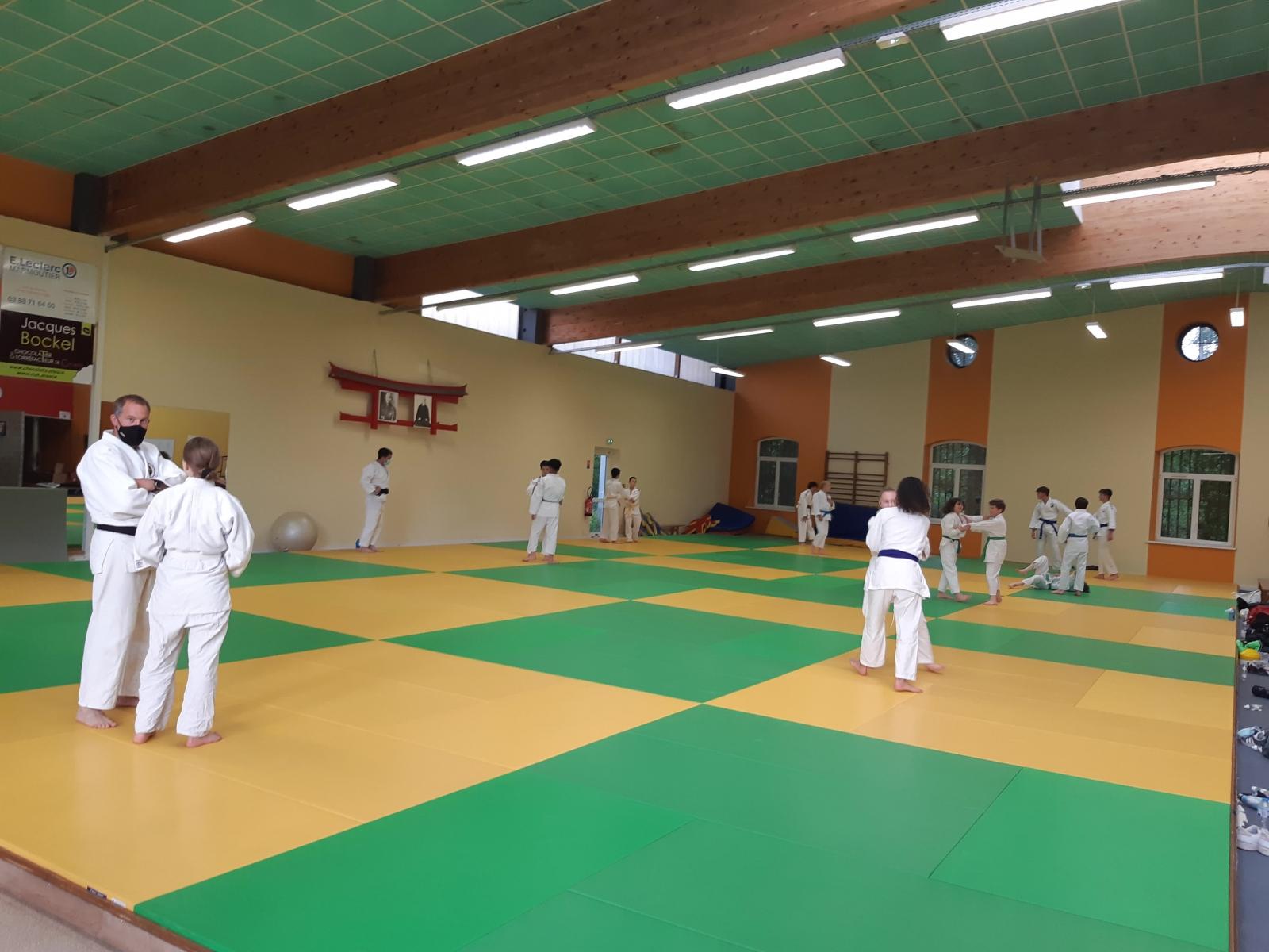 21 MAI_Redémarrage des entrainements de judo avec les Benjamins-Minimes et Cadets(-18a)