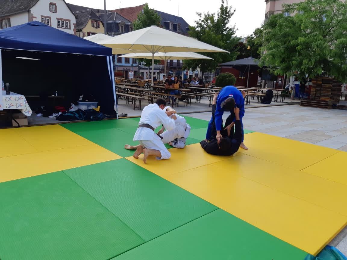 26 Juin 2021 _ Olympiades sur la place du Château à Saverne_JJB_JU-JITSU Bresilien_NE-WAZA