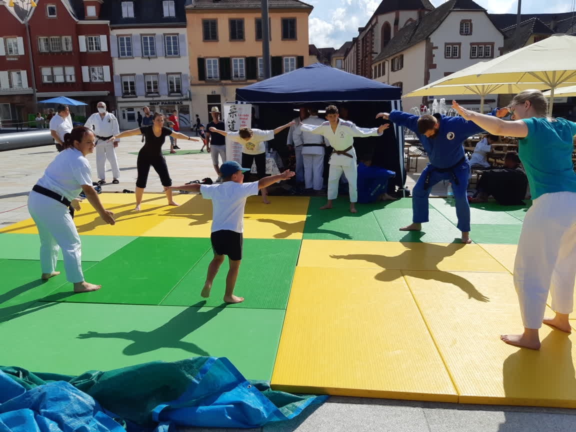 26 Juin 2021 _ Olympiades sur la place du Château à Saverne_TAISO